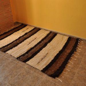 Marrón chocolate y crudo 140-200cm