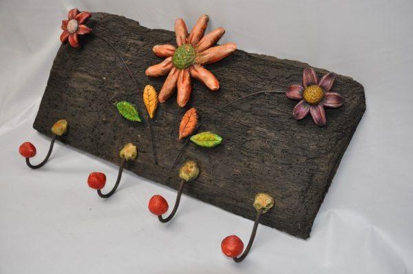 Perchero madera 4 perchas flores