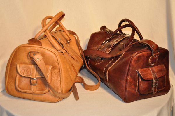 Bolso de viaje de piel marrón claro