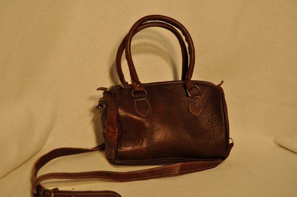 Bolso de piel pequeño marrón oscuro