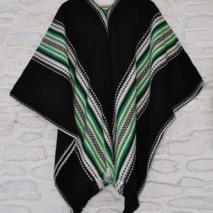 Poncho negro y verde